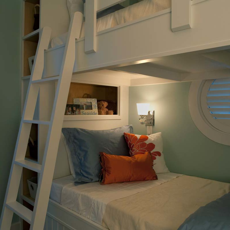 Kid's bedroom with comfy bunkbeds in Watersound beach home