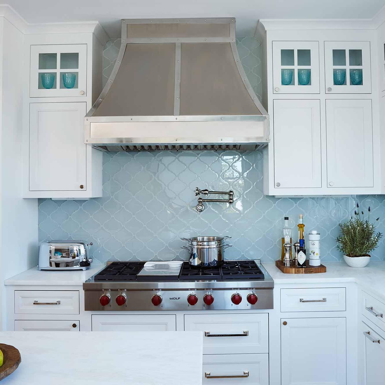 Kitchen interior design of a beach house in Watersound beach designed by Darci Hether New York
