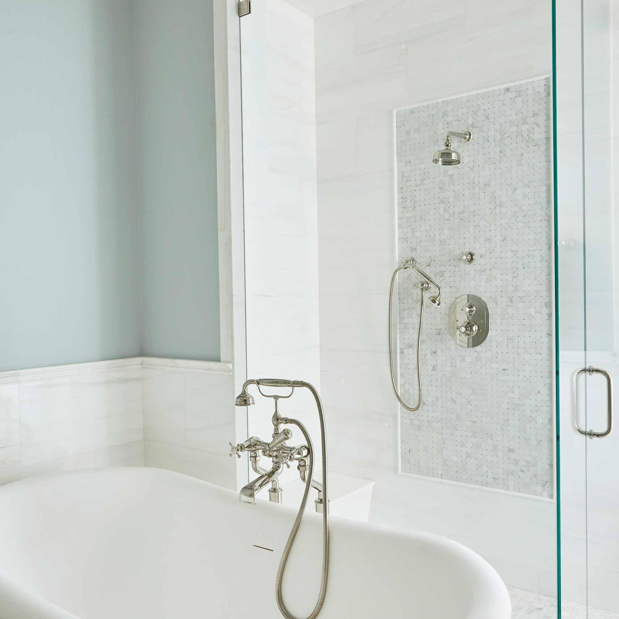 Beach style bathroom design by NYC's top interior design firm Darci Hether New York