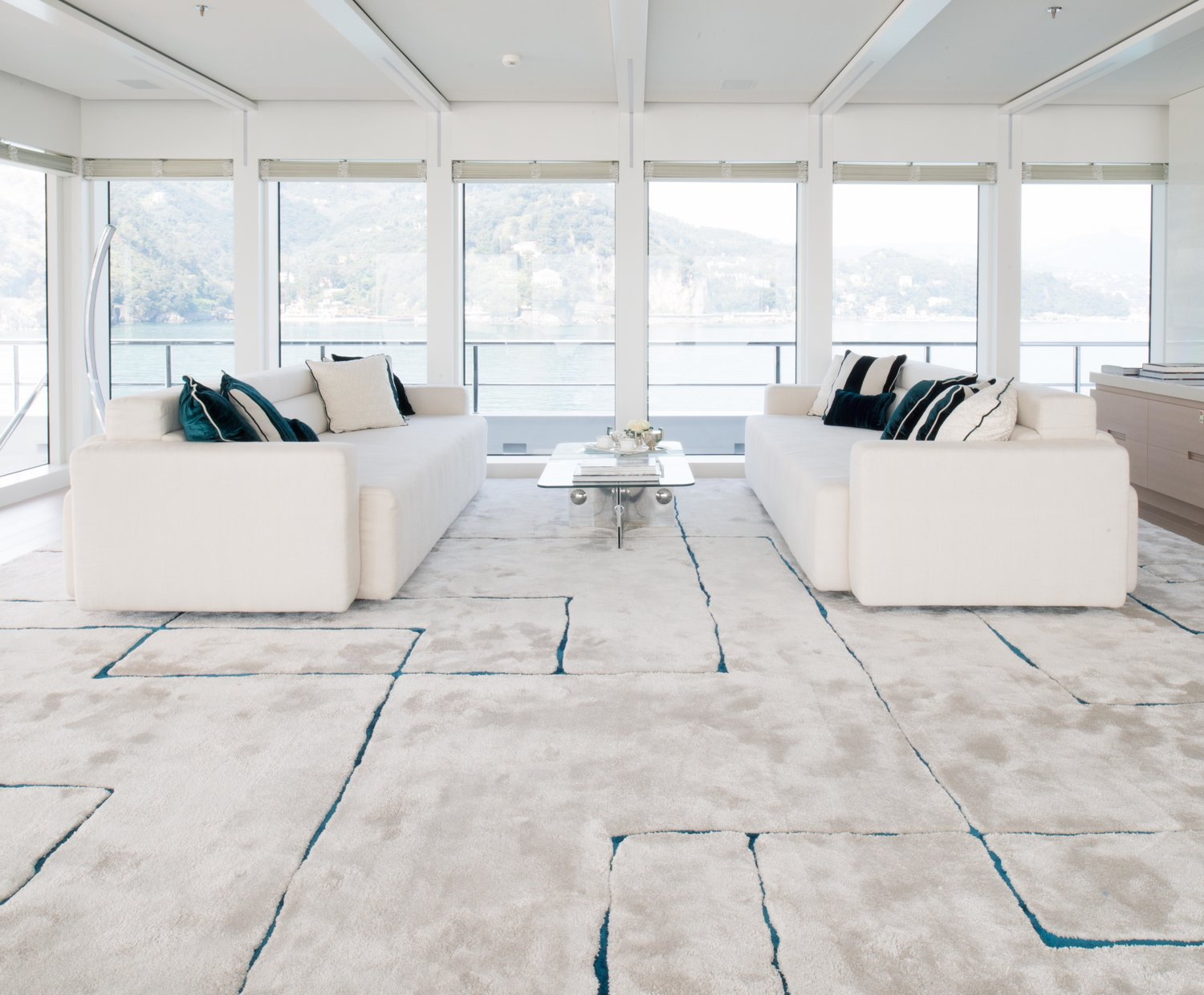this stunning tai ping area rug makes the room - learn more about how to use patterned area rugs in your space! -darci hether new york