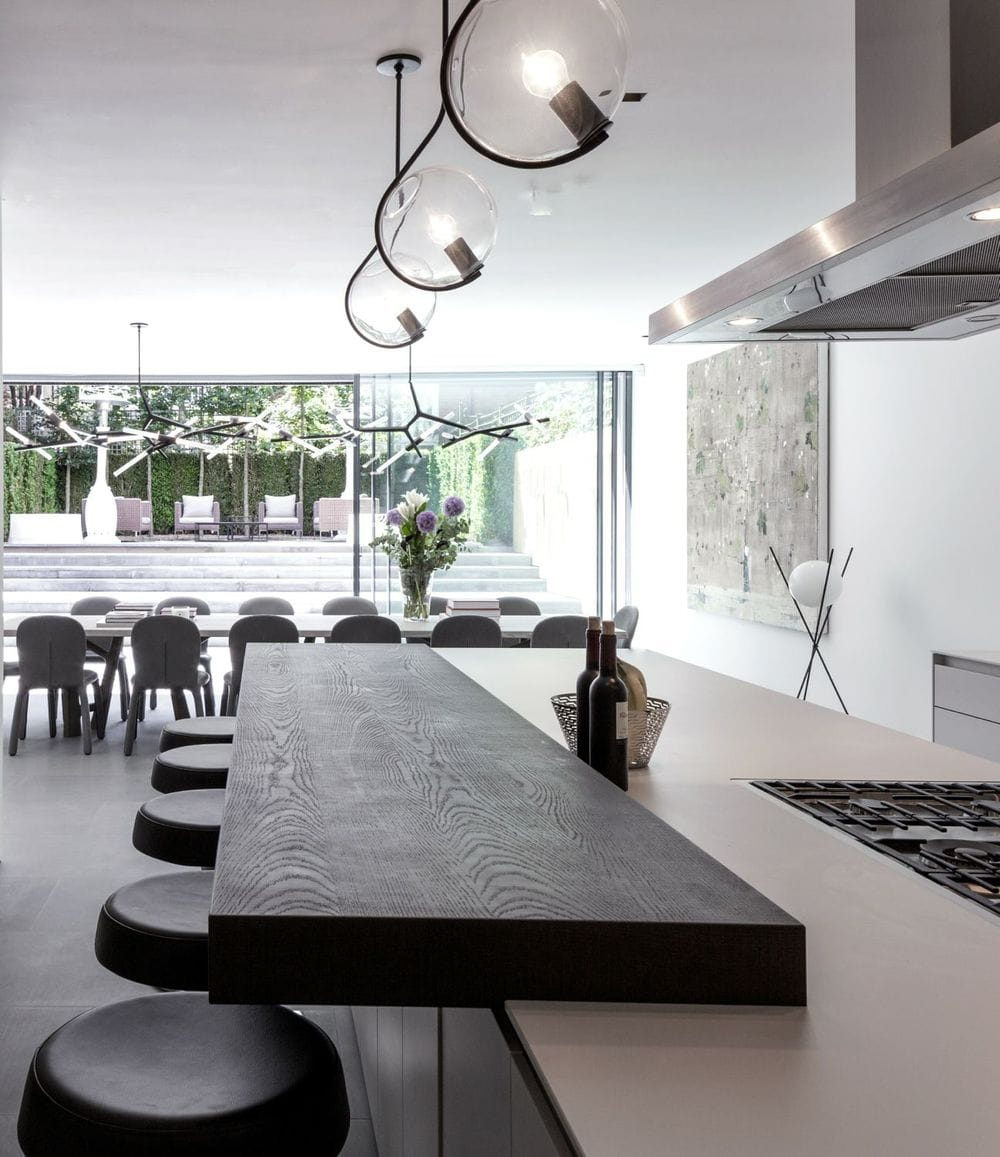 chic london kitchen - louise holt design - lindsey adleman lighting