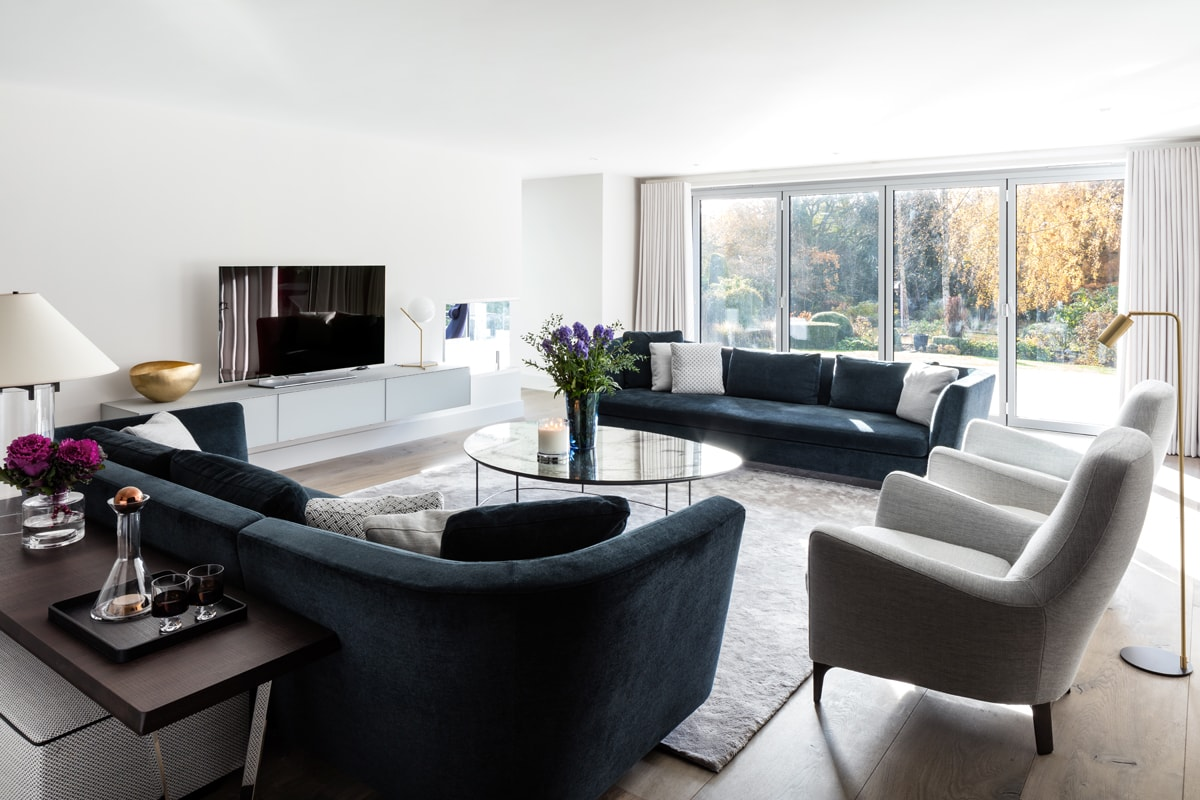 open plan living room in oxfordshire - louise holt design