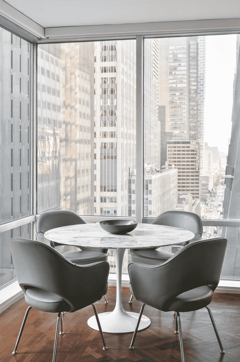 Darci-Heather-New-York_Luxury-Interior-Design_How-to-Know-when-to-Hire-an-Interior-Designer-dining-overlook-5th-ave-nyc