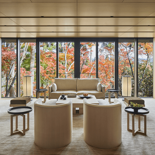 darci-hether-new-york_interior-designer_finding-creative-inspiration-in-the-luxurious-forests-of-japan_aman-hotel-feature_guest-suite-sitting-room