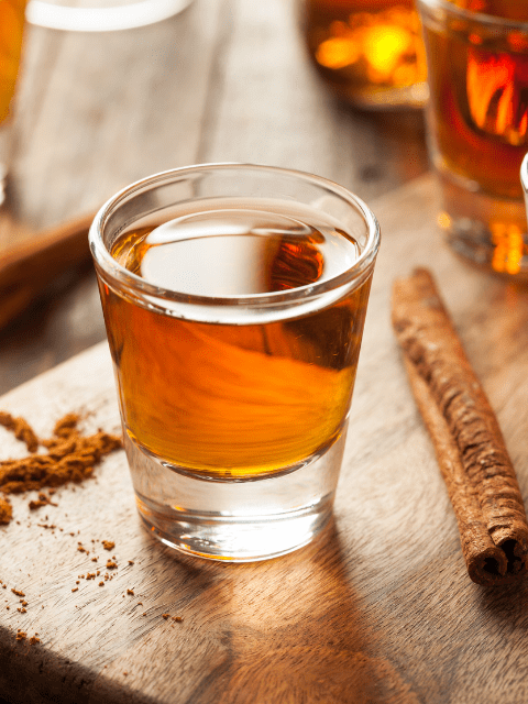 darci-hether-new-york_interior-designer_how-to-upscale-your-non-traditional-2020-thanksgiving_bourbon-and-cinnamon-sticks_bourbon-cocktails