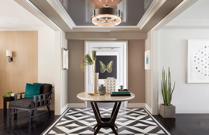 darci-hether-new-york_interior-designer_the-3nyc-apartment-styles_what-you-need-to-know_post-war-entryway