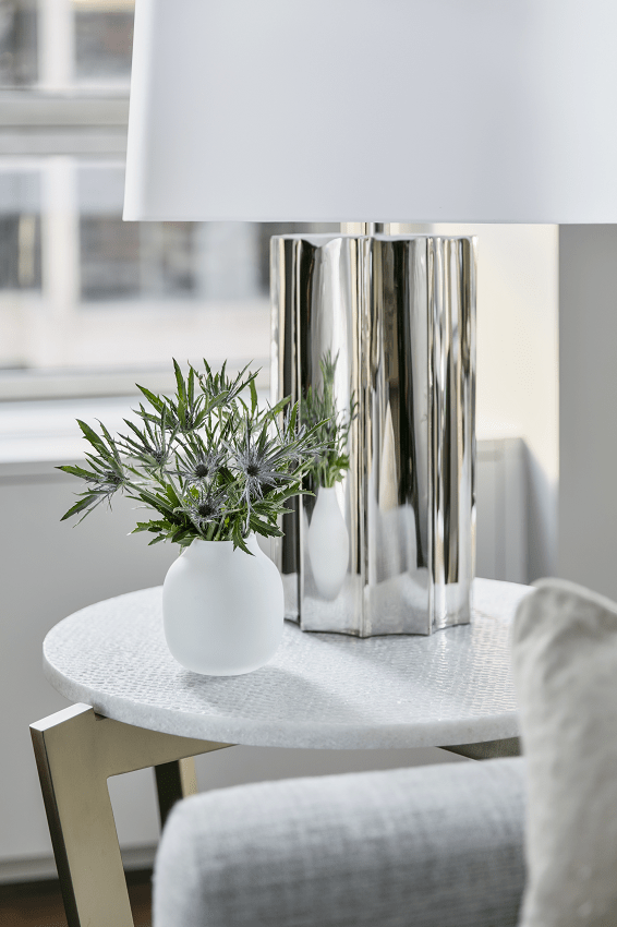darci-hether-new-york_interior-design_full-service-interior-design-your-fresh-start-in-the-new-year_lamp-on-living-room-table-with-lots-of-natural-light