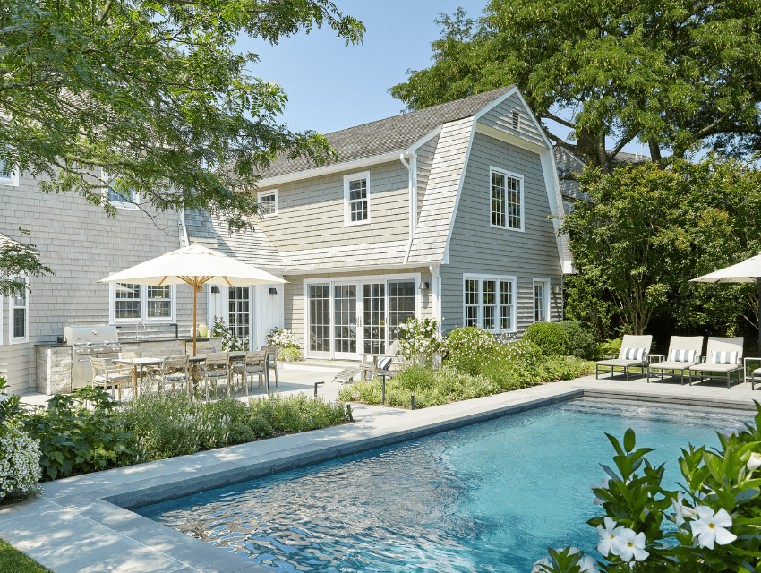 darci-hether-new-york_interior-designer_behind-the-scenes-of-a-haute-hamptons-home_pool-side-seating-and-outdoor-living-areas