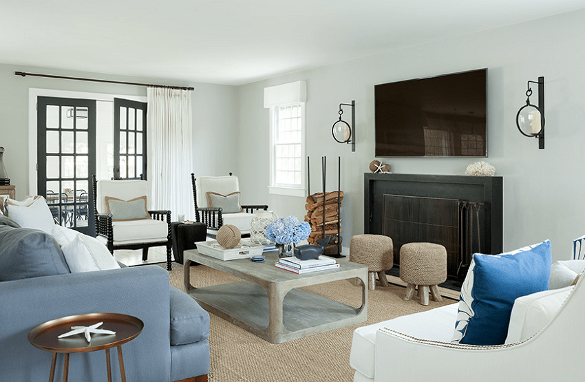 darci-hether-new-york_interior-designer_how-to-update-and-modernize-your-beloved-fireplace_hamptons-living-room-with-updated-fireplace-and-cozy-accents